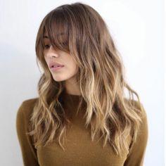 balayage blond sur pour des cheveux marron clair, comment adopter la coloration tie and dye