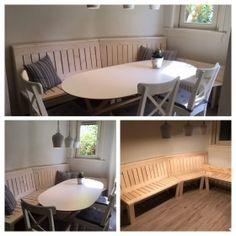 Hoekbank van steigerhout met smalle plankjes in het zit- en ruggedeelte. Outdoor Tables, Outdoor Decor, Outdoor Furniture, Home Decor, Decoration Home, Room Decor, Interior Decorating, Outdoor Furniture Sets