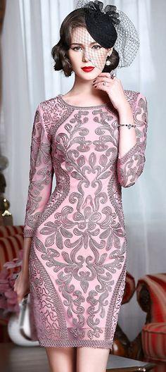Elegant O-Neck Long Sleeve Embroidered Bodycon Dress