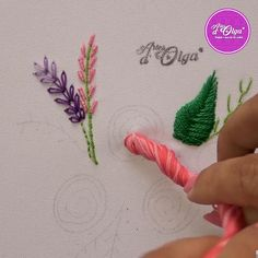 Diy Embroidery Designs, Hand Embroidery Patterns Flowers, Etsy Embroidery, Hand Embroidery Videos, Embroidery Stitches Tutorial, Creative Embroidery, Silk Ribbon Embroidery, Art Patterns, Embroidered Flowers