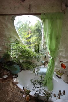27 Amazing Greenhouse Earthship Home Design Made of Recycled - interior design ideas Home Design, Modern House Design, Interior Design, Design Ideas, Maison Earthship, Casa Dos Hobbits, Outdoor Bathrooms, Natural Homes, Natural Building