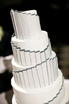 Modern Five Tier Round Wedding Cake