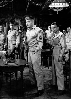 Burt Lancaster and Frank Sinatra in From Here to Eternity Lancaster, Love Movie, Movie Tv, Drive In Movie Theater, From Here To Eternity, Montgomery Clift, Kirk Douglas, Best Actor, Famous Faces