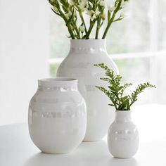 The wonderful, hand-painted Omaggio pearlescent vase matches elegantly with any stylish interior design where it discretely merges into the Nordic décor. Decor, Interior, Scandinavian Design Centre, Ceramics, Home Decor, Vase, Inspiration, Spa Inspired Bathroom, Interior Design