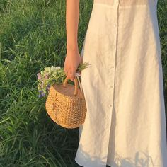 Image about fashion in Bambi/Indie/Vintage by Khaleesi Nature Aesthetic, Summer Aesthetic, Aesthetic Photo, Aesthetic Pictures, Aesthetic Vintage, Aesthetic Plants, Cream Aesthetic, Japanese Aesthetic, Ed Wallpaper