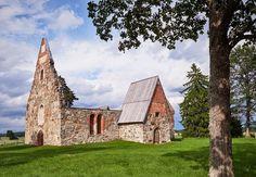 Pälkäneen kirkko viime kesältä. #landscapes #finnishnature #naturelovers #natureaddicts #allwhatsbeautiful  #thebestoffinland #urbex #urbanexploring #churches #ruins