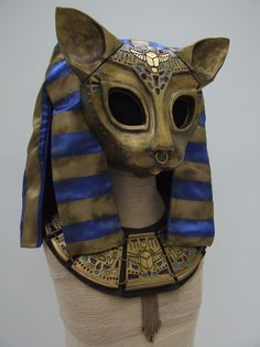 Bastet Egyptian Cat Goddess, Egyptian Beauty, Egyptian Cats, Ancient Art, Ancient Egypt, Batman Party, Art And Craft Design, Cool Masks, Carnival Masks