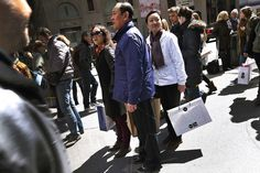 Chinese Travelers Choose Shopping Over Luxury Hotels