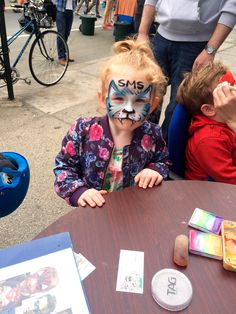 Face Painting to Space Marketing Shop fans
