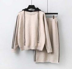 「フード付きニットパーカー×膝丈ニットタイトスカートのセットアップ 2点セット レディース C30233」の商品情報やレビューなど。 Knit Skirt, Knit Dress, Comfy Casual, Knitting Designs, Long Sleeve Sweater, Knitwear, Sweaters, Skirt Suits, Fashion Outfits