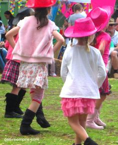 Farm party - line dancing competition for games