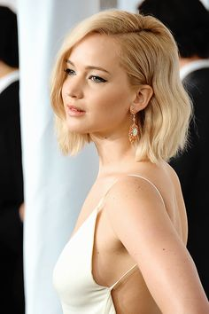 Jennifer Lawrence attends the 'Joy' New York premiere at Ziegfeld Theater on December 13, 2015 in New York City.