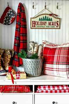 Awesome Buffalo Check Decor for Your Home Elegant 20 Gorgeous Buffalo Plaid Christmas Decor Ideas Mostly Diy the Tartan Christmas, Cottage Christmas, Christmas Tree Farm, Plaid Christmas, Christmas Fashion, Country Christmas, Winter Christmas, Christmas Crafts, Christmas Decorations