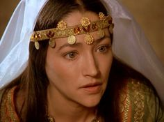 """Olivia Hussey as Rebecca in Ivanhoe. """"It is true I am of a race that no longer listens to the sound of the trumpet; yet I would die as nobly and honorably as a soldier if I knew it could restore my people to their land. Leonard Whiting, Middle Age Fashion, Reign Dresses, Olivia Hussey, Ballet Performances, Becoming An Actress, Movie Costumes, Romeo And Juliet, Girl Crushes"""