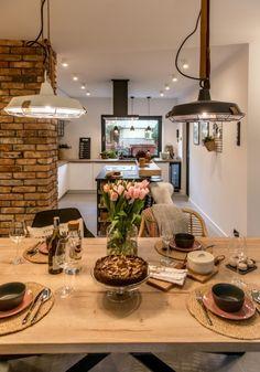 Stylizacja  stołu w jadalni - Lovingit.pl Brick Interior, Home Interior Design, Living Room Decor Cozy, Home Living Room, Dream Home Design, Tiny House Design, Rustic Kitchen, Kitchen Decor, Warren House