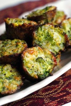 Broccoli Tots ~ They call for only five simple ingredients and make a tasty enjoyable dish. The broccoli tots are a fun way to show your kids veggies aren't boring and tasteless. Side Dish Recipes, Vegetable Recipes, Vegetarian Recipes, Healthy Recipes, Brocolli Recipes, Califlower Recipes, Top Recipes, Healthy Tips, Drink Recipes