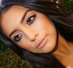 <3 her makeup is amazing!
