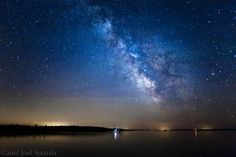A single exposure of the night sky over Lake Huron in southern Ontario, Bruce Peninsula, Canada.