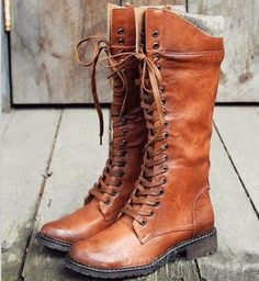 Comfortable Brown Lace-Up Flat Boots