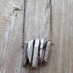 So in love with this metallic crystal necklace!