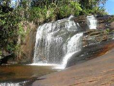 Cachoeira do Funil - Itambé/MG. Simples e fascinante pelas piscinas naturais e contrasta na temperatura com as águas da cachoeira e córrego. Fica a 6 Km da cidade.