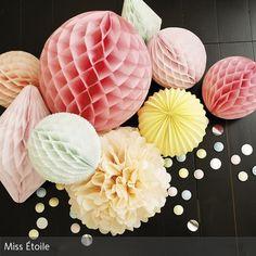 Party, Hochzeit, Kaffeeklatsch: Mit den bunten Papierbällen und Pompoms wird jede Party zum Knaller! Schöne Pastellfarben ergeben einen frischen Look!