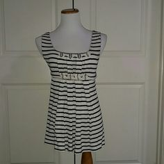 Blue and White Stripe Tunic Excellent condition condition blue and a white tunic. Pre owned. Max Studio Tops Tunics