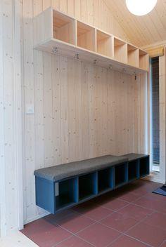 En fin løsning for gangen Sierra Nevada, Garage Doors, Entryway, Cabin, Outdoor Decor, House, Home Decor, Photos, Photograph Album