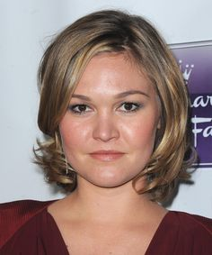 Julia Stiles Hairstyles | Julia Stiles Hairstyle - Casual Short Straight Hairstyle - 15436 ...