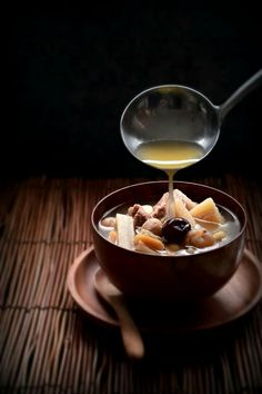 Chinese arrow root soup. Dark Food Photography, Eat This, Culinary Arts, Food Design, Recipes From Heaven, Food Styling, Taiwan, Food Art, Food Inspiration