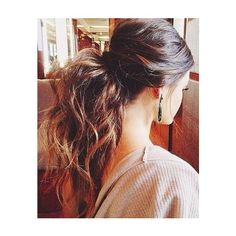 Long hair looks charming and feminine so it is always popular no matter how the hair trends vary. There are many people desire to create the long hair. Let's l…