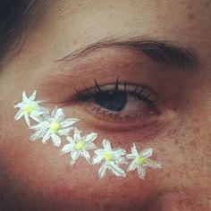 The cutest festival accessory.