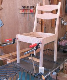 Bamboo Chair Makeover - - - Furniture Chair Top View - Chair Upholstery No Sew Ikea Chair, Diy Chair, Chair Upholstery, Upholstered Chairs, Kitchen Chairs, Dining Chairs, Room Chairs, Pallet Furniture, Furniture Design