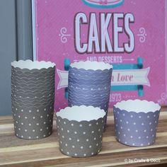 12+Cupcake+Förmchen+grau-+weiß+gepunktet++von+Crafts+&+Deco+auf+DaWanda.com