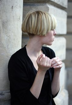 Blunt (very blunt!) Short bob with clippered nape, great weightline and blunt fringe - all with chunky choppy ends