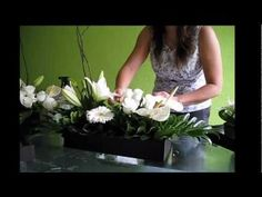 How to Arrange your Own Wedding Centrepiece - YouTube