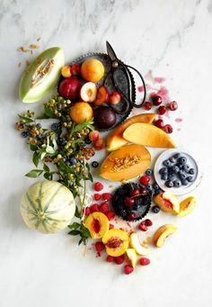10 Healthy Snacks for the Gluten-Free Traveler - The Everygirl Food Photography Styling, Food Styling, Fruit Photography, Food Design, Fruit Recipes, Healthy Recipes, Healthy Foods, Food Porn, Cooking Light