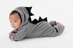 pijama entero bebe No Min Woo, Fashion Kids, Baby Wearing, Babys, Bean Bag Chair, Kids Fashion, Baby Boy Pajamas, Boutique Hair Bows, Fuzzy Slippers