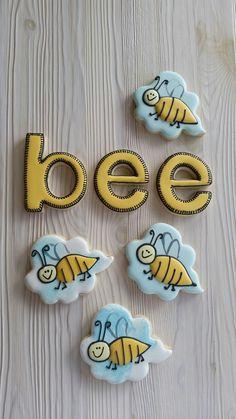 Bee sugar cookies by Dyan and inspired by Funky Cookie Studio Bee Cookies, Gourmet Cookies, Fancy Cookies, Cupcake Cookies, Sugar Cookies, Cupcakes, Cookie Tutorials, Bee Happy, Cookie Designs