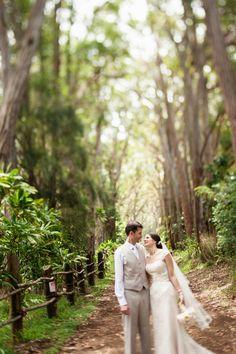 Pretty & Pink Hawaiian Ranch Wedding { Oahu } - Modern Weddings Hawaii : Bridal Inspiration