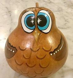 Gourd turkey Hand Painted Gourds, Owl Crafts, Centerpieces, Turkey, Birds, Christmas Ornaments, Holiday Decor, Painting, Home Decor