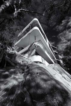 Cliff Top House | Luigi Rosselli