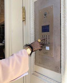 Princess expensive taste diamonds and fashion store Mode Outfits, Fashion Outfits, Fashion Clothes, Fashion Ideas, Fashion Tips, Classy Aesthetic, Paris Mode, Expensive Taste, Glamour