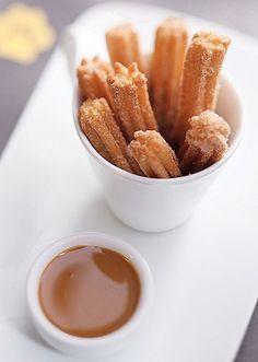 Minichurros com doce de leite, receita da chef Janaina Rueda