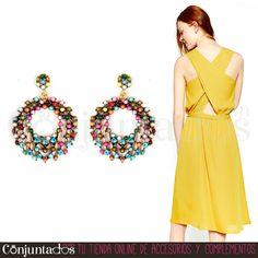 Los #pendientes Mabel con cuentas multicolor quedan genial tanto con vaqueros como con vestidos. Incluso te pueden servir para adornar tu look de feria, dado ese punto flamenco de sus formas ★ 12,95 € en http://www.conjuntados.com/es/pendientes-mabel-con-cuentas-multicolor.html ★ #novedades #earrings #conjuntados #conjuntada #joyitas #lowcost #jewelry #bisutería #bijoux #accesorios #complementos #moda #fashion #fashionadicct #picoftheday #outfit #estilo #style #GustosParaTodas