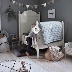In case you missed it, our Boxing Day Sale has been extended!! You can continue to shop our entire store at 20% off when you enter code STYLISHKIDS at checkout. Sale is on until Midnight tonight.  Gorgeous room @emsloo featuring our Tellkiddo closed eye storage sack.