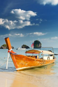 A perfect multi-week honeymoon to Thailand should include time in Bangkok, Chiang Mai and/or Chiang Rai, and one of the island getaways.