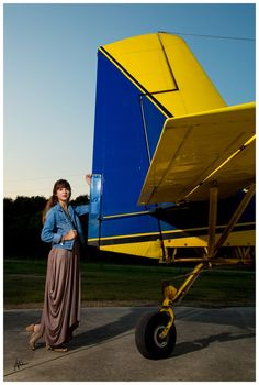 www.nickievansphotography.com, Houston photographer, Houston senior portraits, Houston senior photographer, senior photos, Class of 2016, Baytown TX, Crosby TX, Anahuac TX, senior girl, senior portrait ideas, crop duster, airplane, senior portraits with airplane, off camera flash, portraits with airplane
