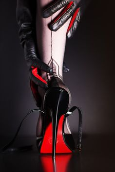 Fully Fashioned Stockings with Manhattan Heel in Stilettos
