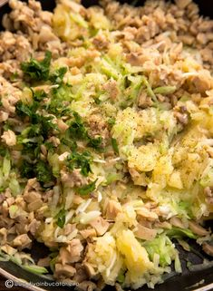 crochete-de-cartofi,-dovlecei-si-ciuperci-3 Fried Rice, Sprouts, Fries, Food And Drink, Yummy Food, Vegetables, Ethnic Recipes, Kitchen, Fitness
